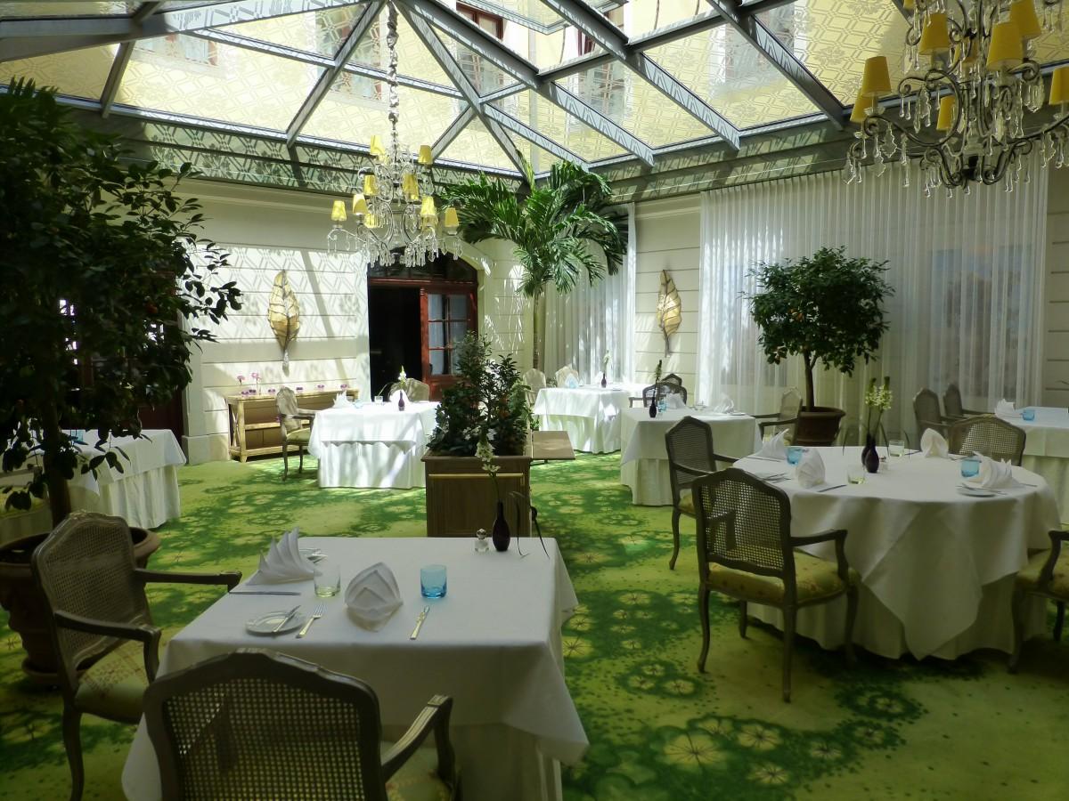 Fotos gratis flor restaurante casa comida patio for Restaurante casa jardin