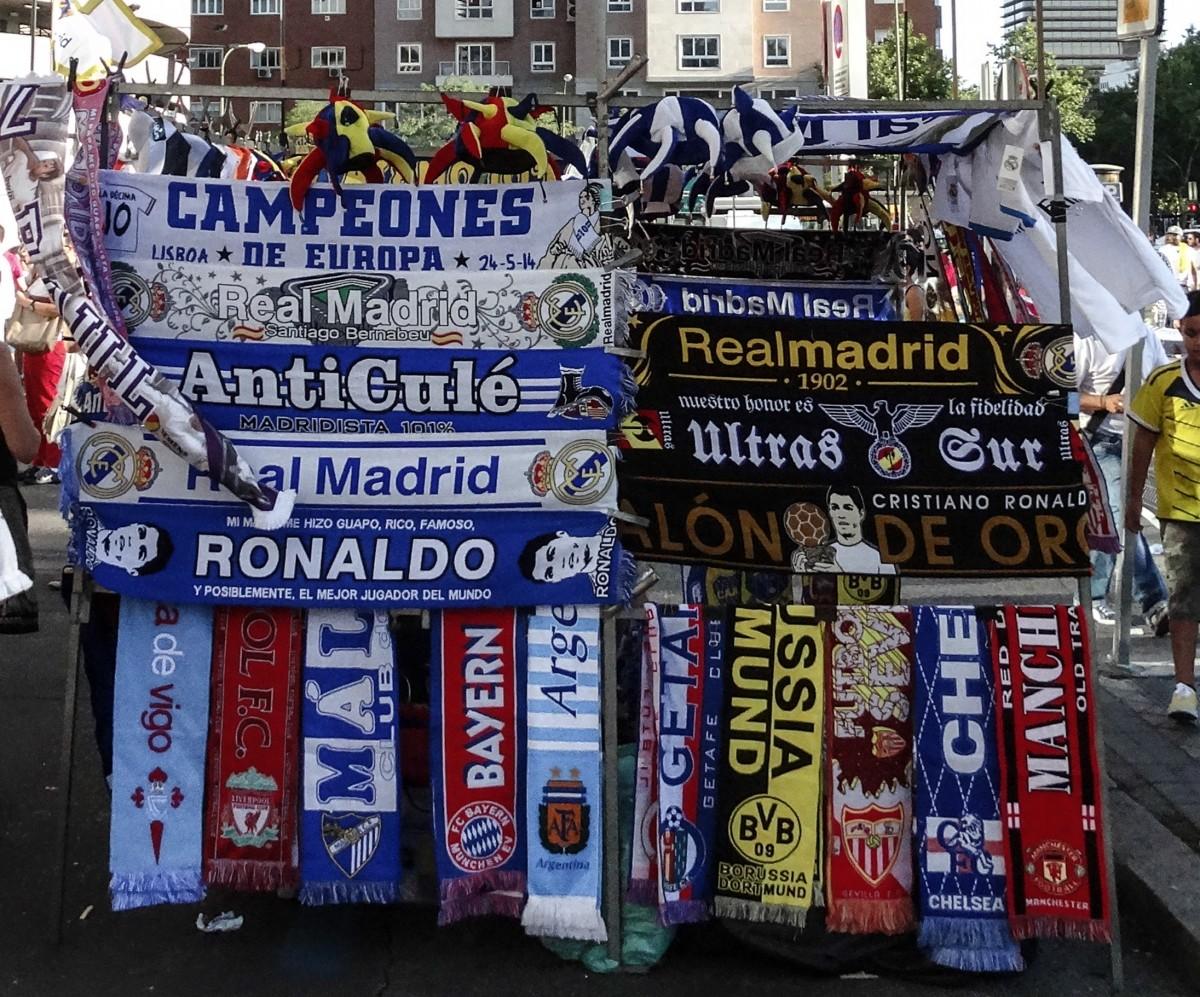 Fotos gratis : publicidad, tienda, bandera, fútbol, estadio, ventilador, España, Bernabeu, Real ...