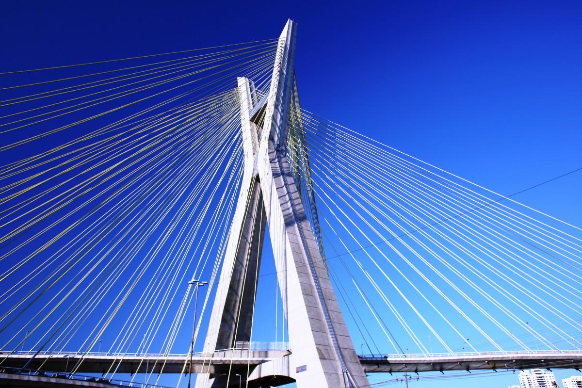 Fotos gratis arquitectura rascacielos puente colgante for Arquitectura en linea
