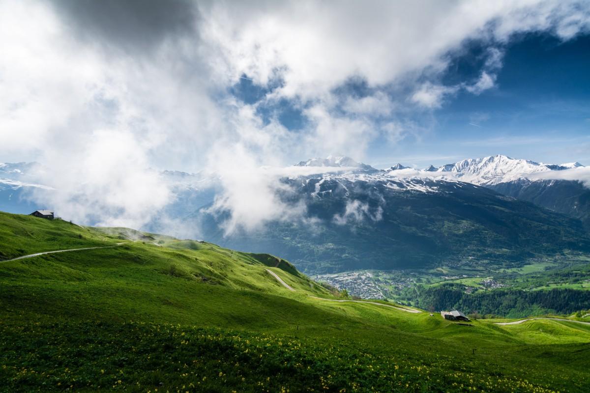 Картинки горы и травка
