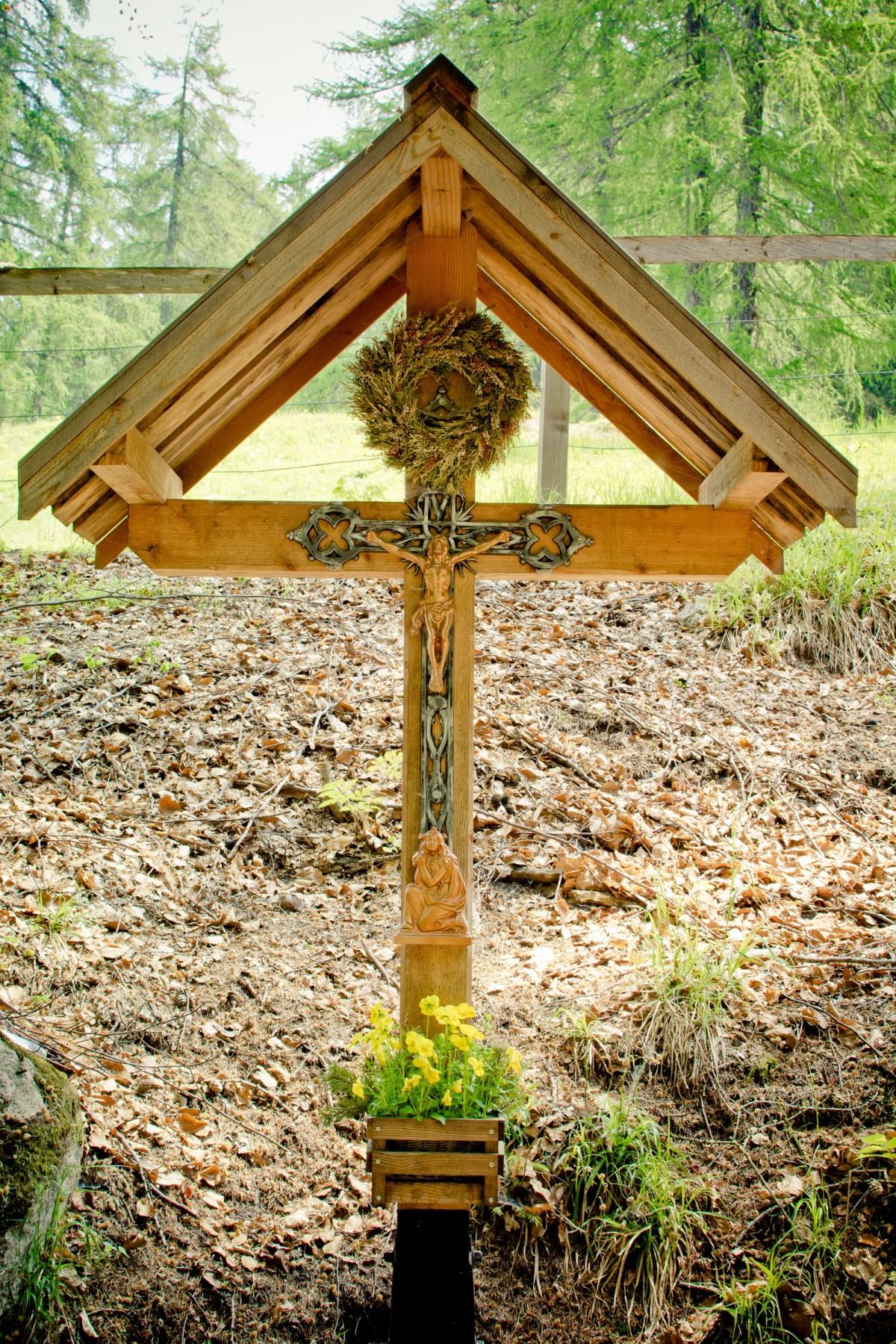 Новые кресты в колпино фото внутри ходит