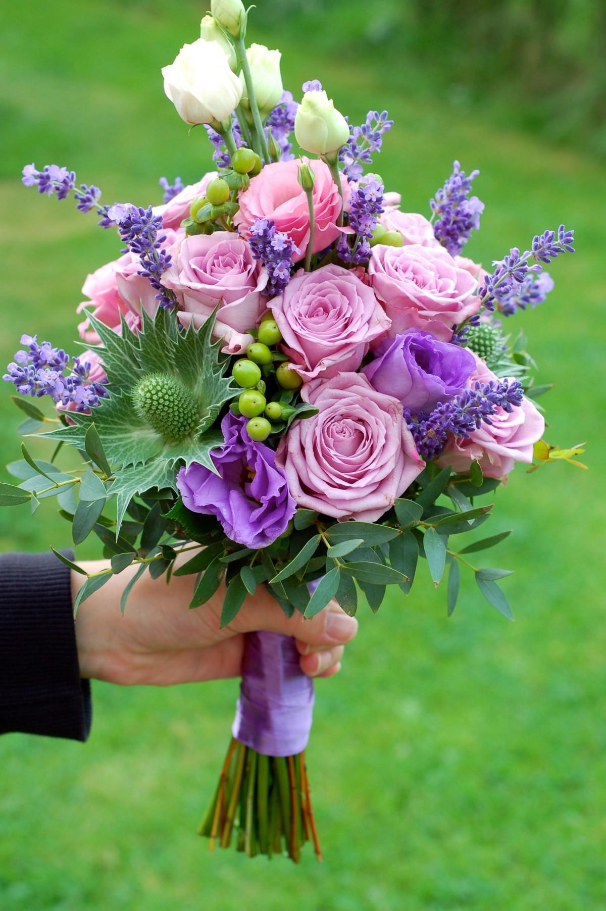 kostenlose foto bl hen wei blume lila rose gr n botanik flora floristik brautstrau. Black Bedroom Furniture Sets. Home Design Ideas