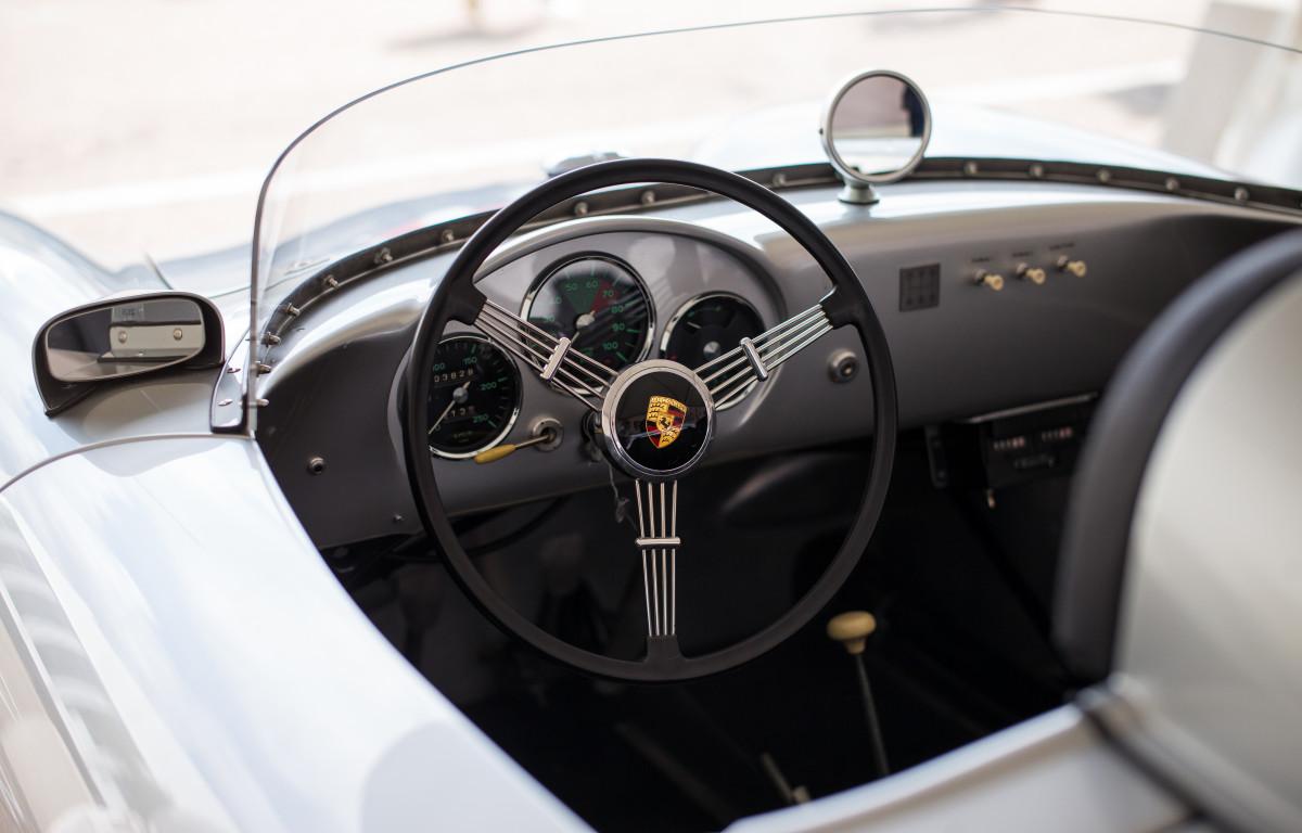 Images gratuites piste roue int rieur v hicule for Interieur voiture de luxe