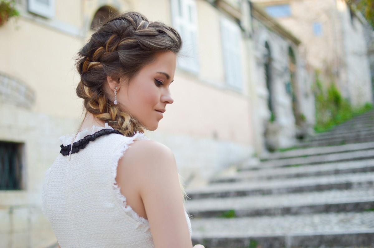 mujer cabello hembra Moda dama novia peinado trenza pelo largo arete ceremonia vestir fotografía belleza vestido Sesión de fotos Fotografía de retrato