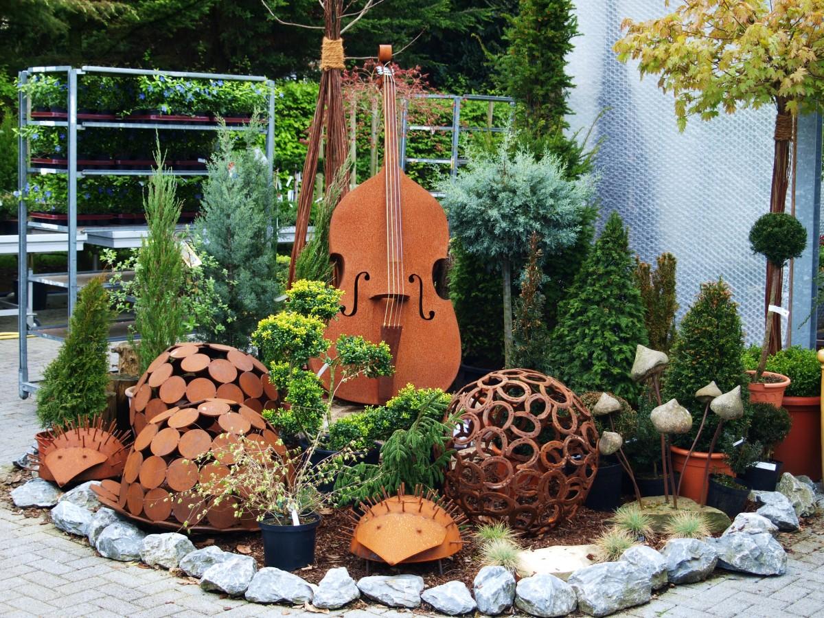Fotos gratis antiguo instrumento metal marr n jard n - Decoracion navidena jardin ...