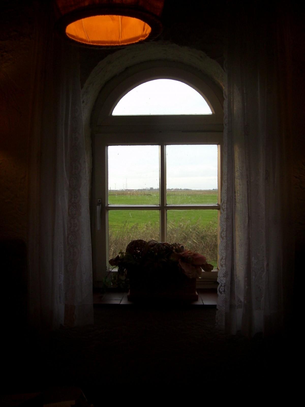 Gratis afbeeldingen licht architectuur venster glas donker boog schaduw duisternis - Interieur oud huis ...