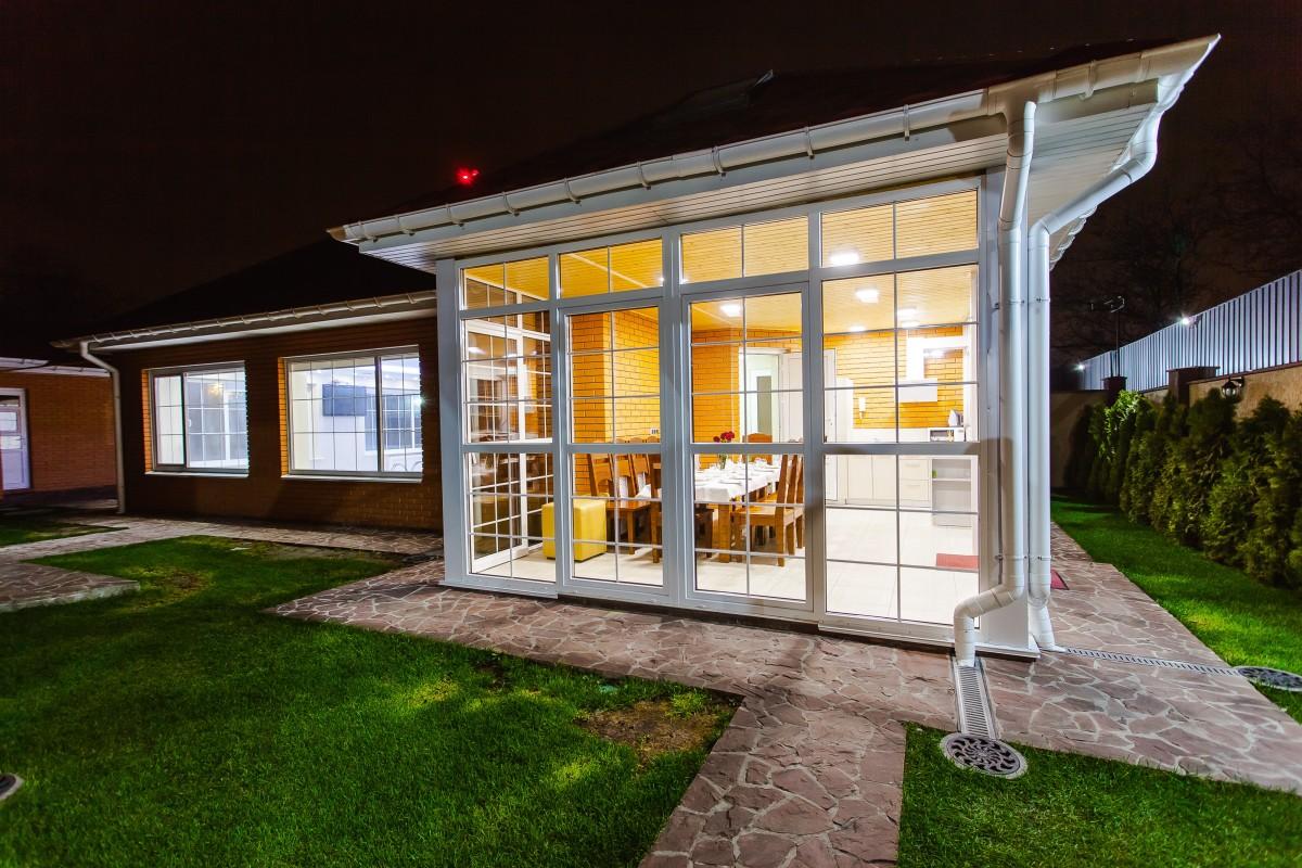 Fotos gratis c sped casa flor porche pasarela floral patio interior fachada propiedad - Ley propiedad horizontal patio interior ...