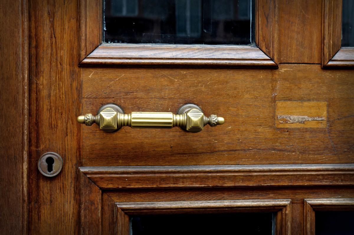 Images gratuites meubles chambre porte produit for Meuble qui se ferme a clef