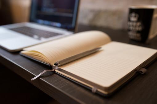 laptop,desk,notebook,writing,working,brand