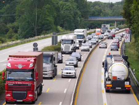 route,Autoroute,transport,un camion,véhicule,circulation
