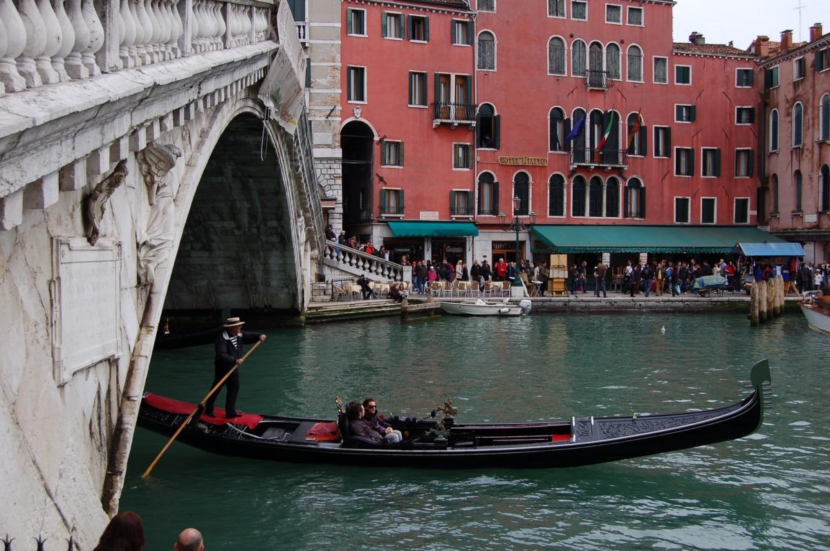 barca, ponte, canale, Europa, veicolo, Italia, Venezia, corso d'acqua, canottaggio, venezia, canale, gondola, moto d'acqua, rialto, moto d'acqua a remi, Immagini Belle In PxHere