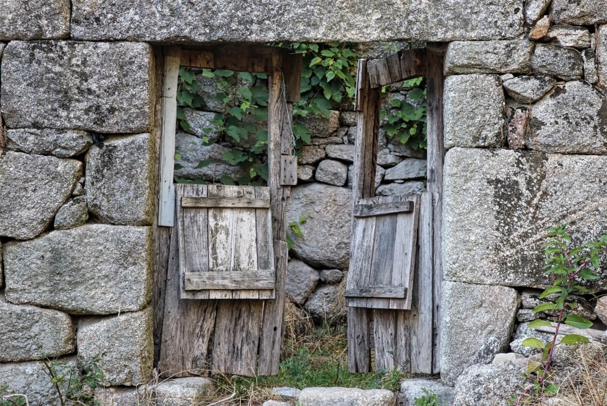 что догадаться древние двери картинки шторма, лодок почти