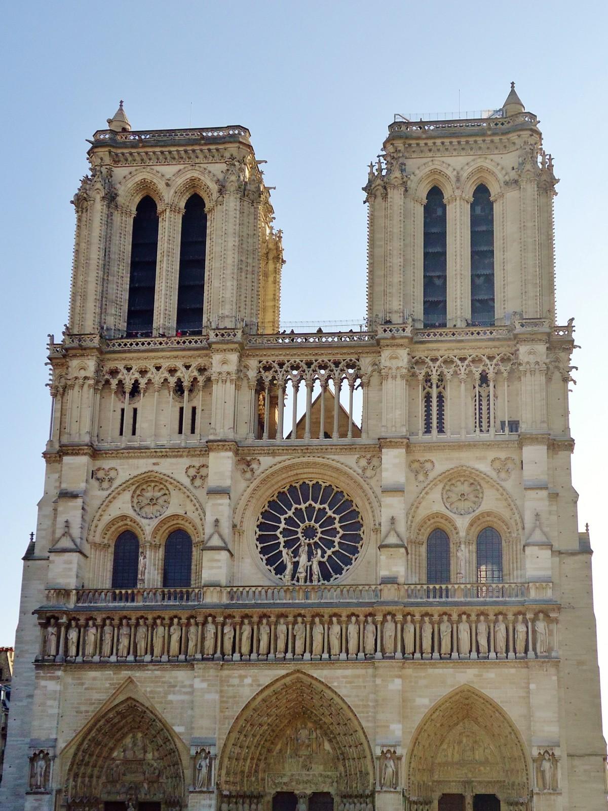 Fotos gratis edificio par s francia arco fachada for Arquitectura medieval
