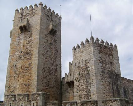 Gambar : bangunan, Chateau, Kastil, tengara, benteng, pariwisata, menara lonceng, tempat-tempat ...