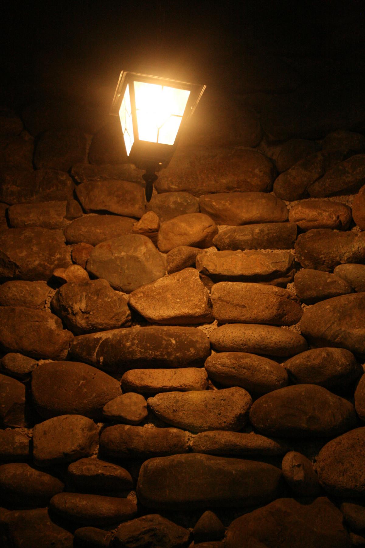 kostenlose foto : rock, licht, nacht-, sonnenlicht, textur, mauer