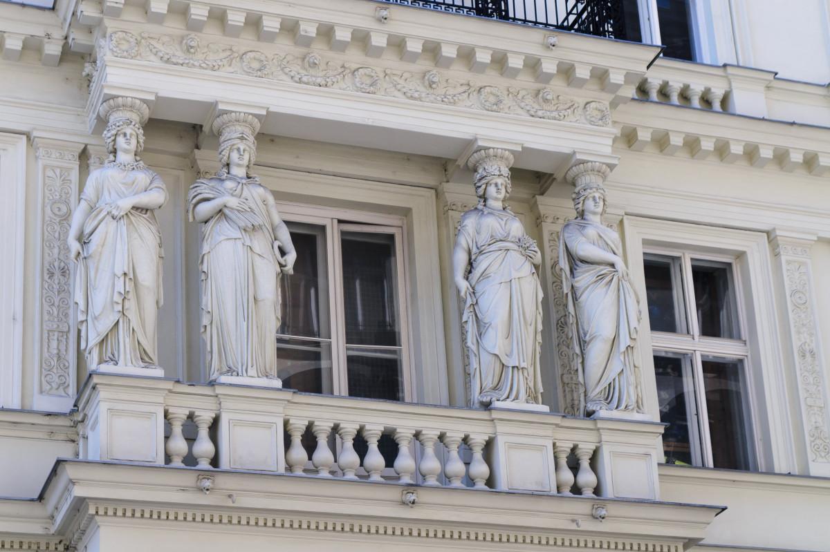 Immagini belle struttura palazzo monumento statua for Architettura classica