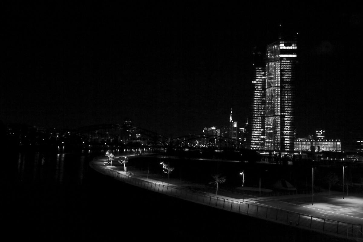как ночью фотографировать архитектуру такс
