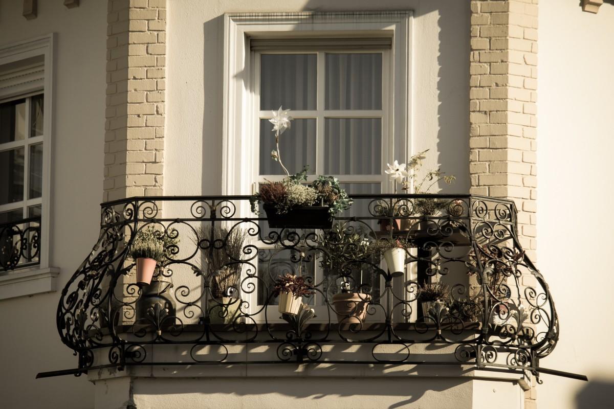 무료 이미지 : 발코니, 정면, 장식적인, 단철, 집 앞, 주부 ...