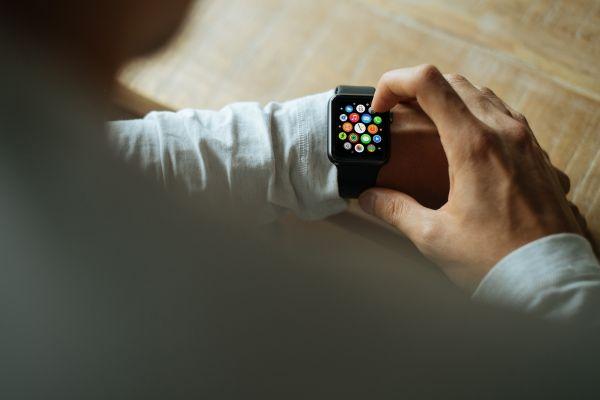 light,watch,hand,screen,apple,technology