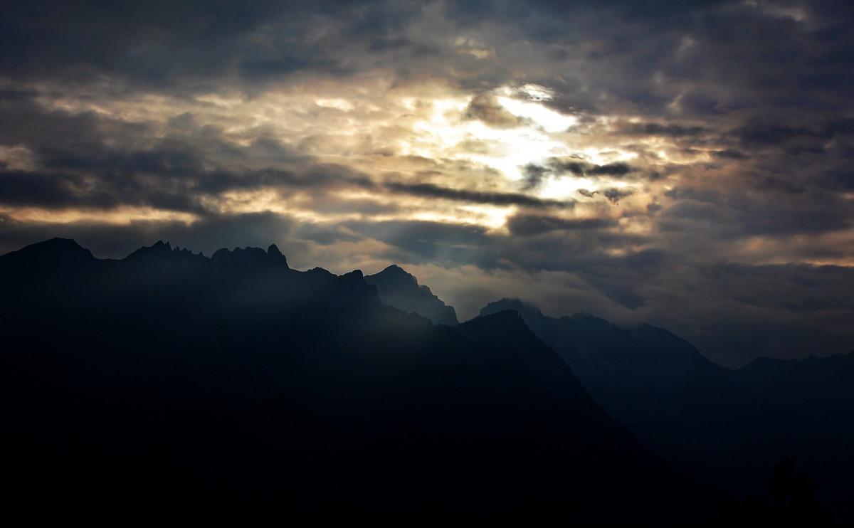mountains sky light clouds - photo #49