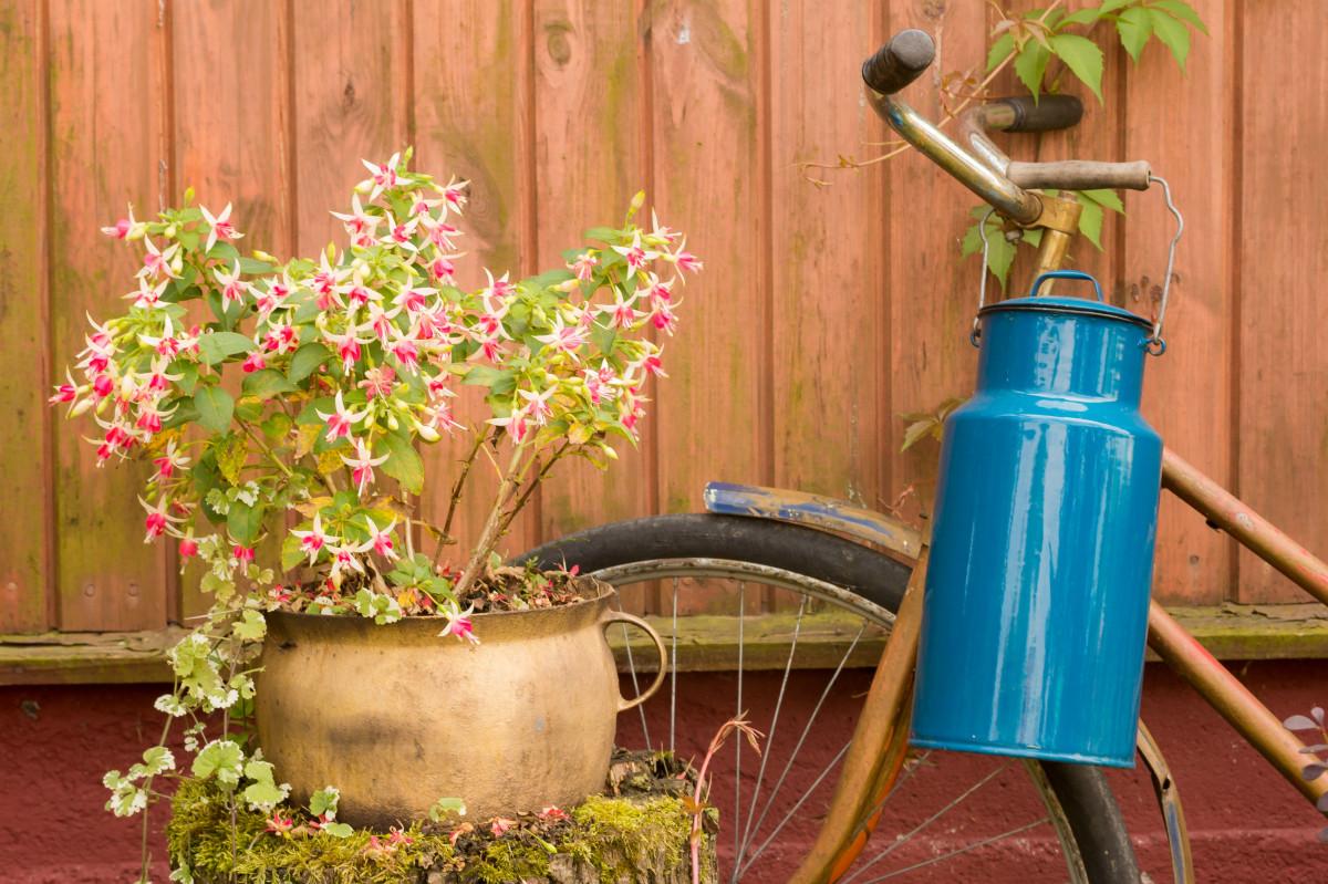 Kostenlose foto pflanze jahrgang rad landschaft blume alt fahrrad dorf dekoration - Dekoration fahrrad ...