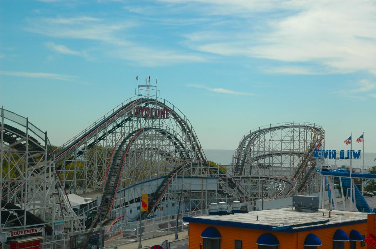 Roller coaster theme park apk