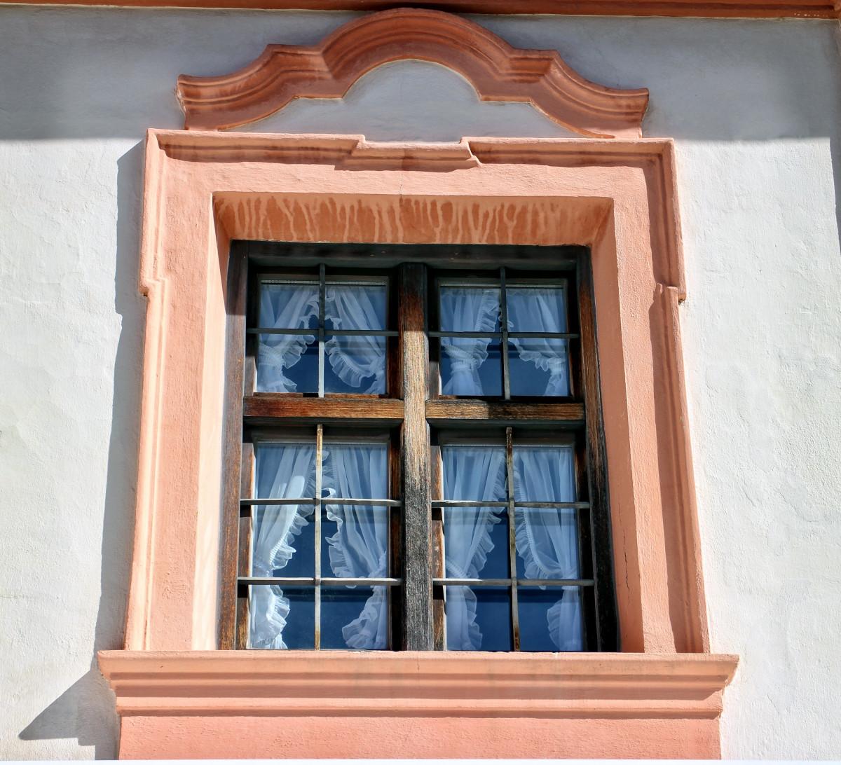 Bildet arkitektur tre hjem farge fasade bl d r for Puertas y ventanas usadas en rosario