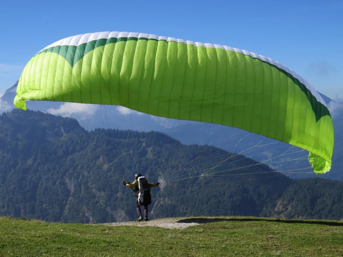 aile sport mouche vert action sport extrême parachute Parapente Parapente des sports le parachutisme Sports aériens Atmosphère de la terre Vélos