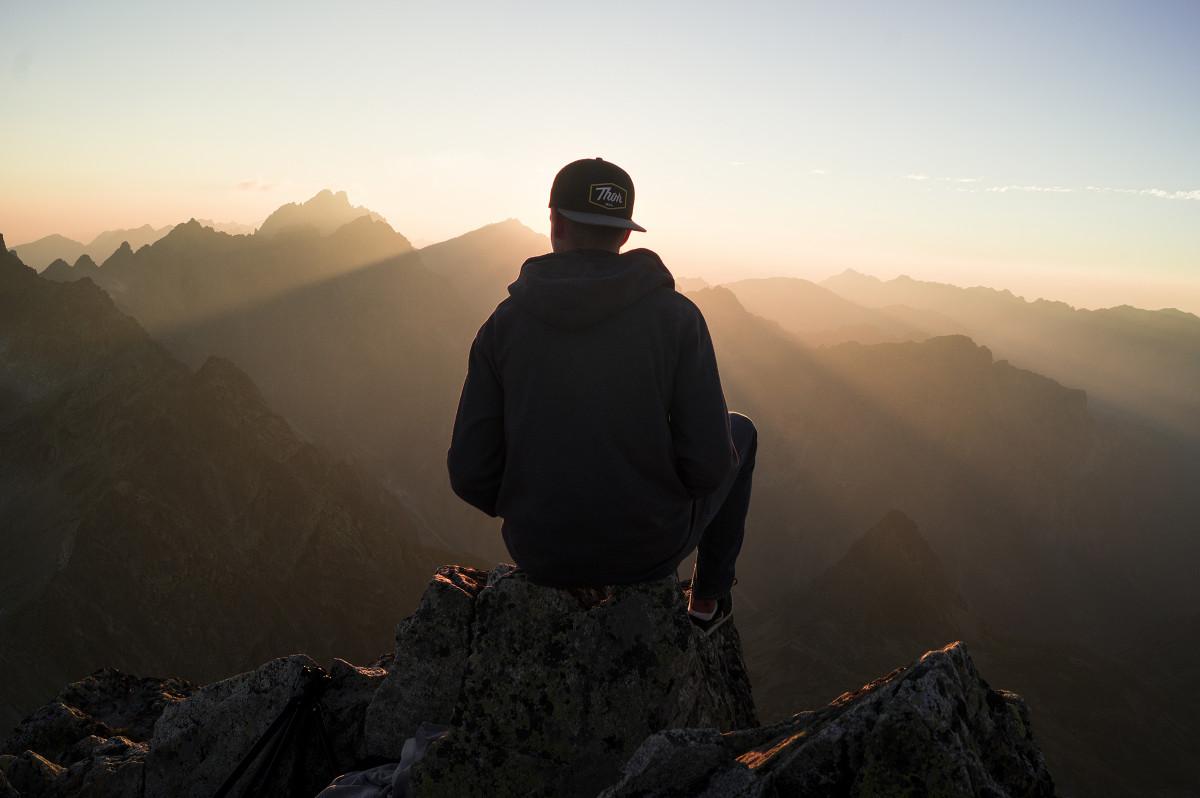новом картинки с горами и людьми силаев одной