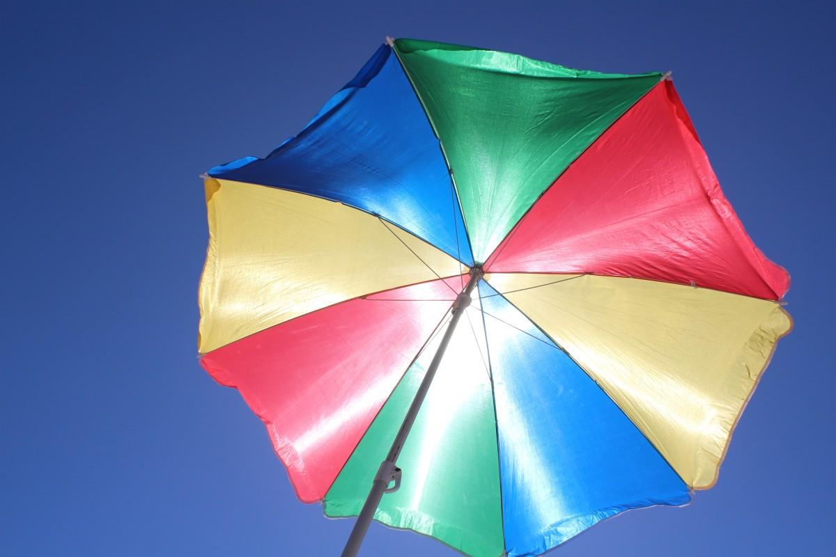 rueda luz de sol flor pétalo rojo paraguas color fiesta azul juguete cielo azul simetría sombrilla forma proteccion solar Radiación UV Windsurf Accesorio de moda Deportes de cometa Cometa de deporte