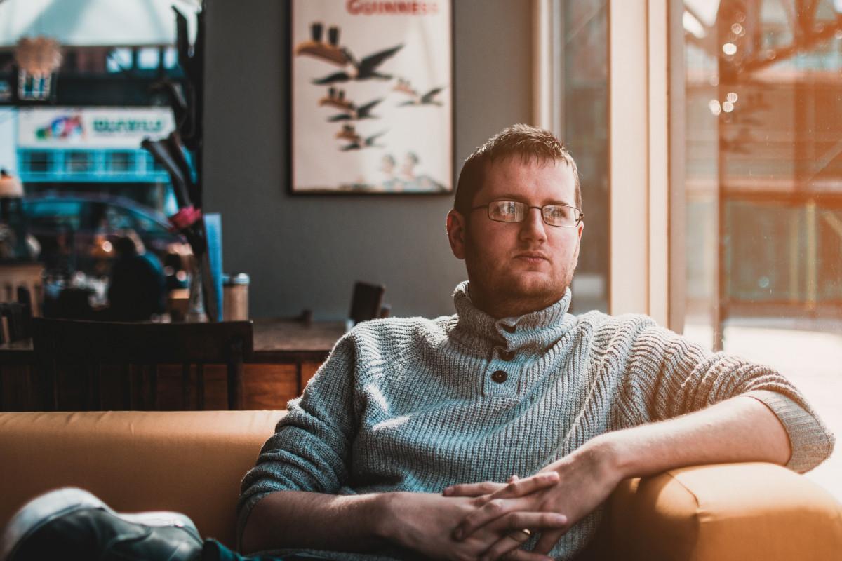 Gratis afbeeldingen volwassen zakenman koffie computer