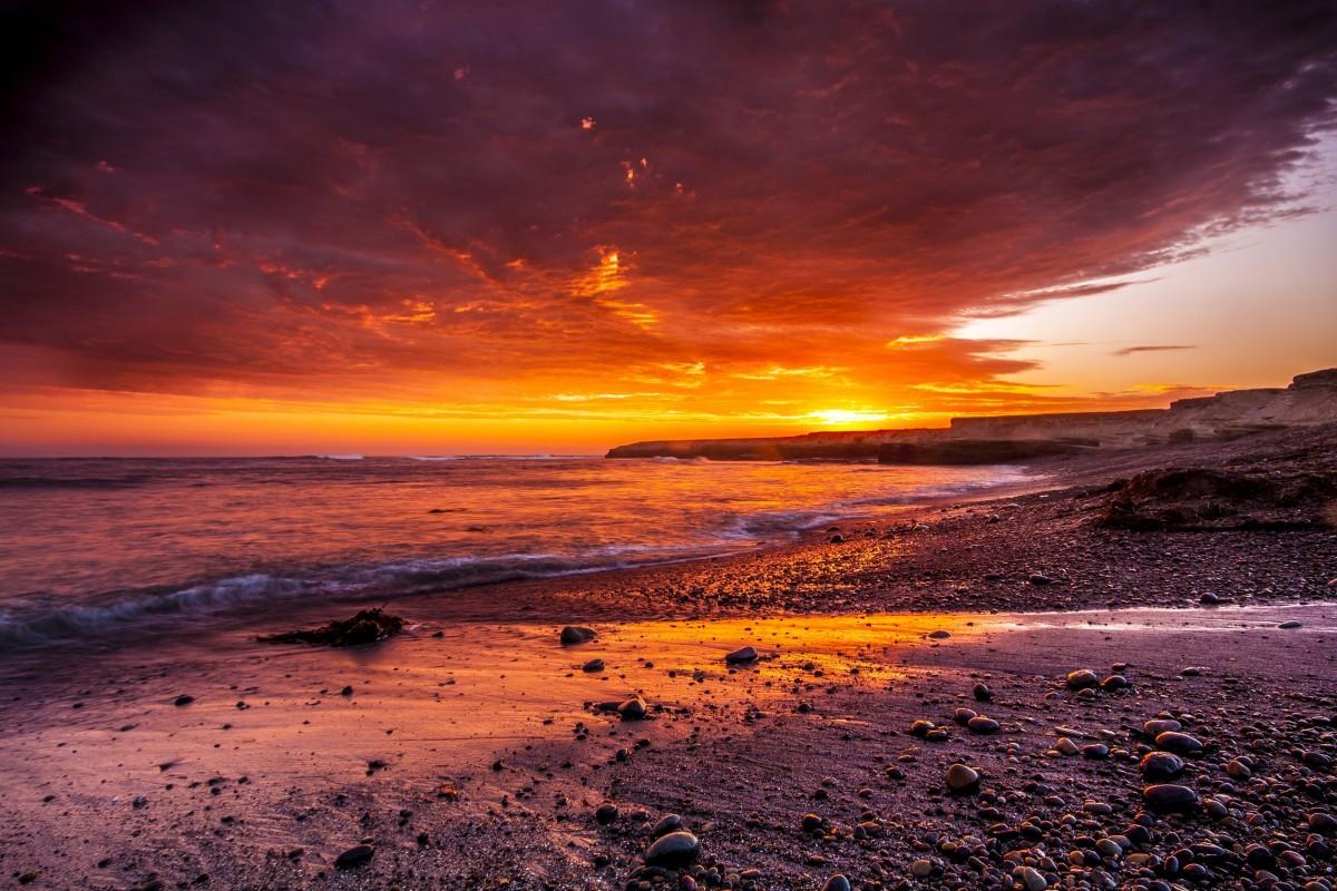 [Resim: sunset_beach_sand_rocks_sky_dusk_ocean_w...6114.jpg!d]