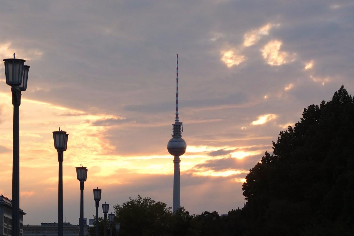 free images   water  architecture  sky  sunrise  sunset  morning  lake  dawn  dusk  europe