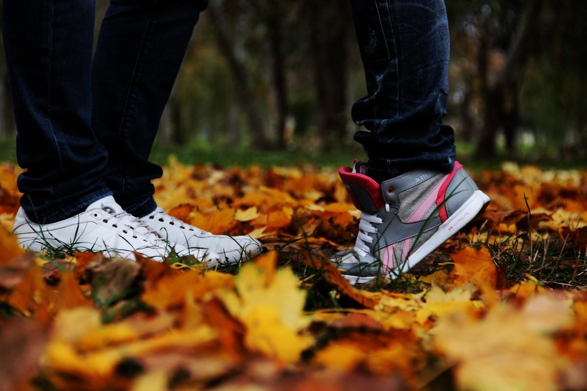 Парень и осень картинки