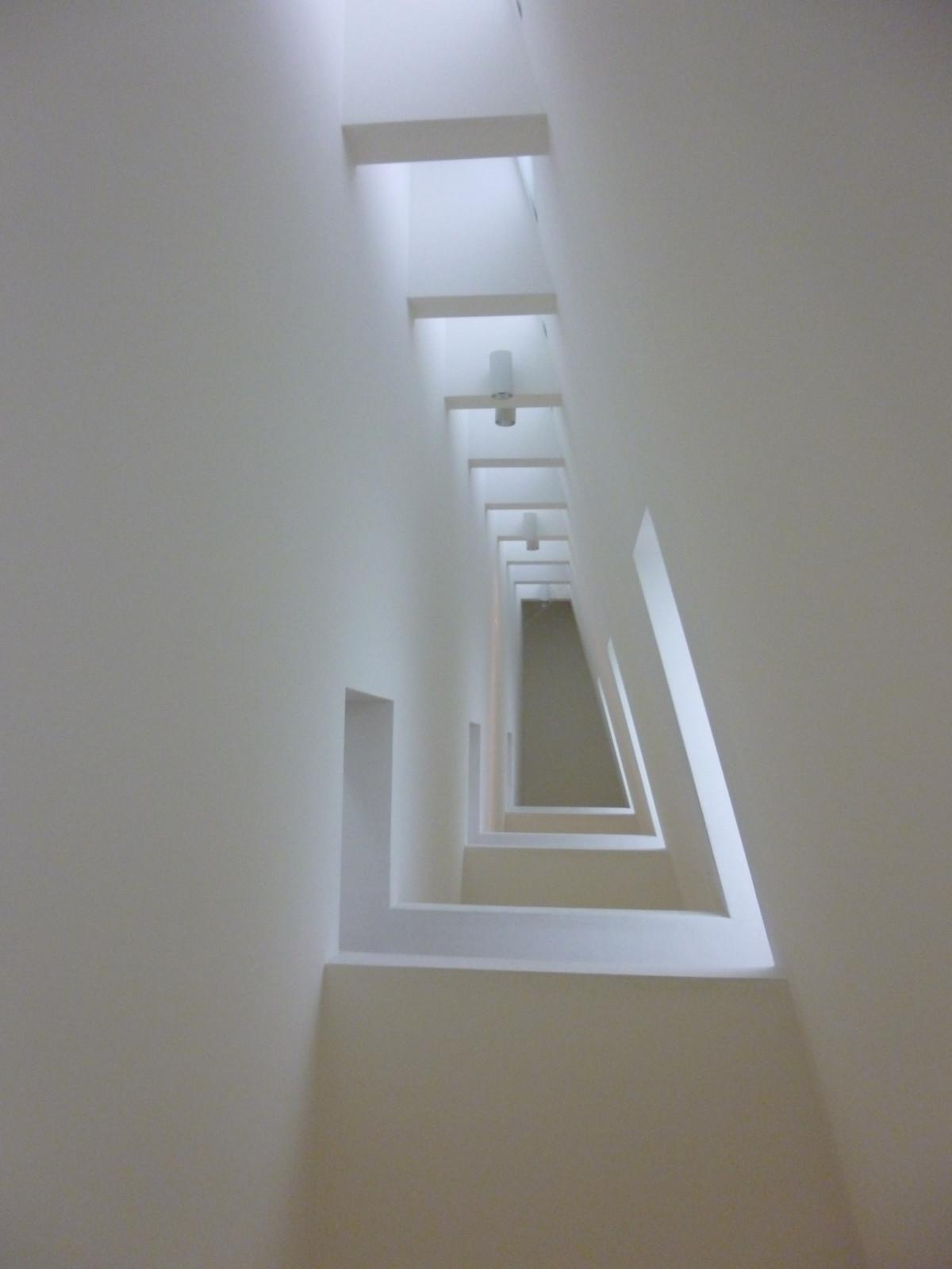 Fotos gratis ligero blanco casa piso perspectiva for Diseno de paredes interiores casas