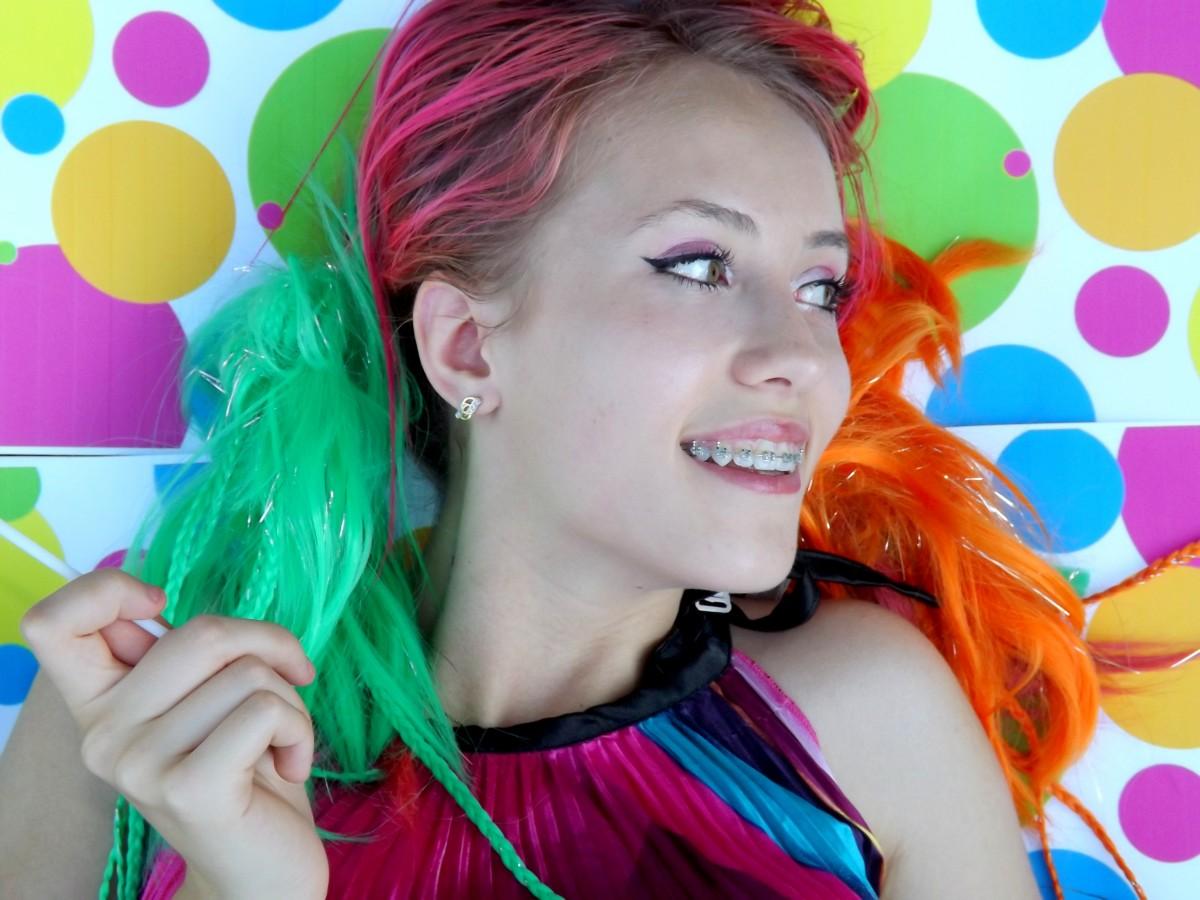 kostenlose foto m dchen haar portr t farbe kleidung rosa frisur lange haare gesicht. Black Bedroom Furniture Sets. Home Design Ideas