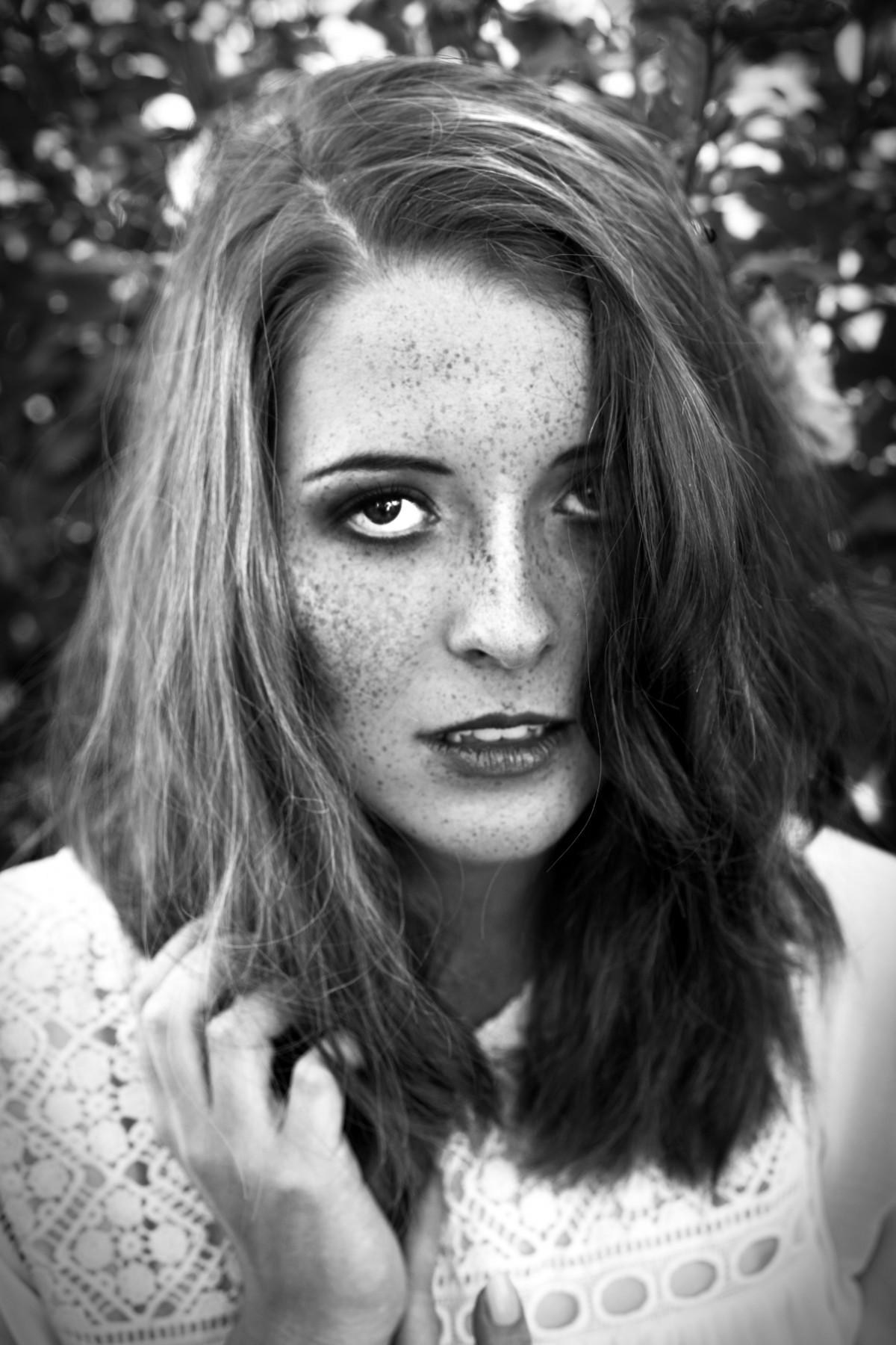 Black And White Photos Of Beautiful Women