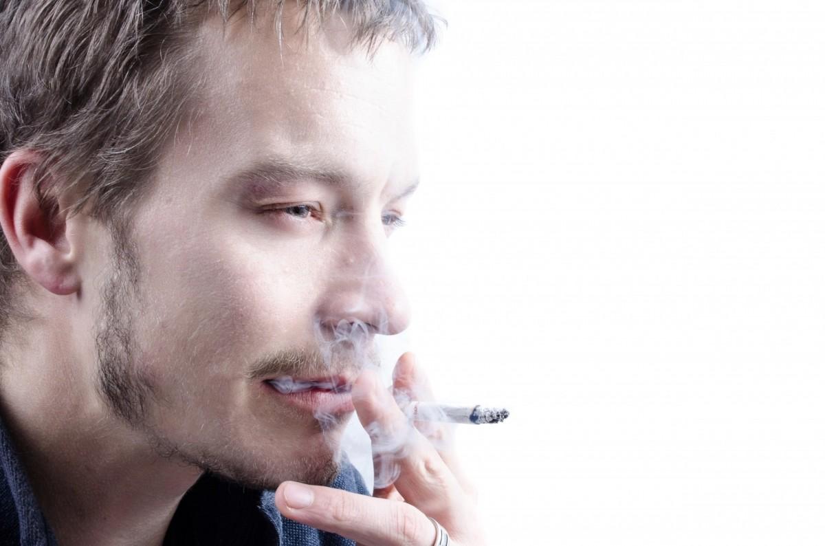 Картинки людей с сигаретой
