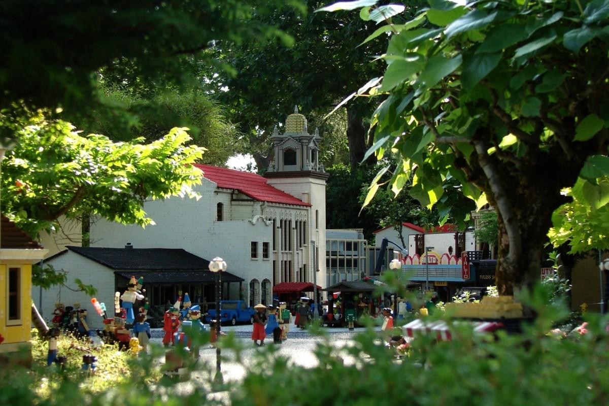Fotos gratis rbol casa flor pueblo restaurante for Restaurante casa jardin