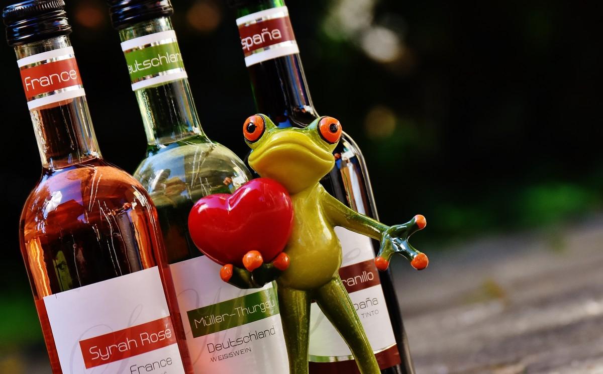 Картинка с бутылками