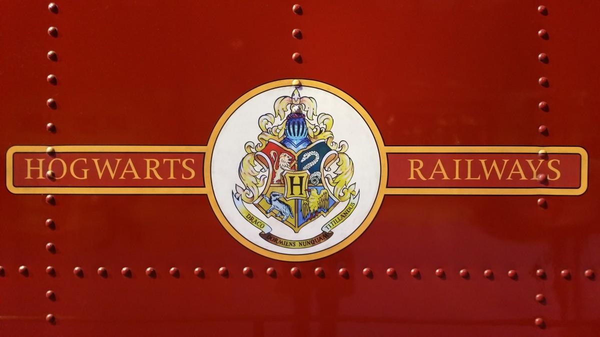 Download Wallpaper Harry Potter Logo - harry_potter_warner_bros_warner_studio_harry_potter_studio_hogwarts_express_hogwarts-663909  You Should Have_989167.jpg!d