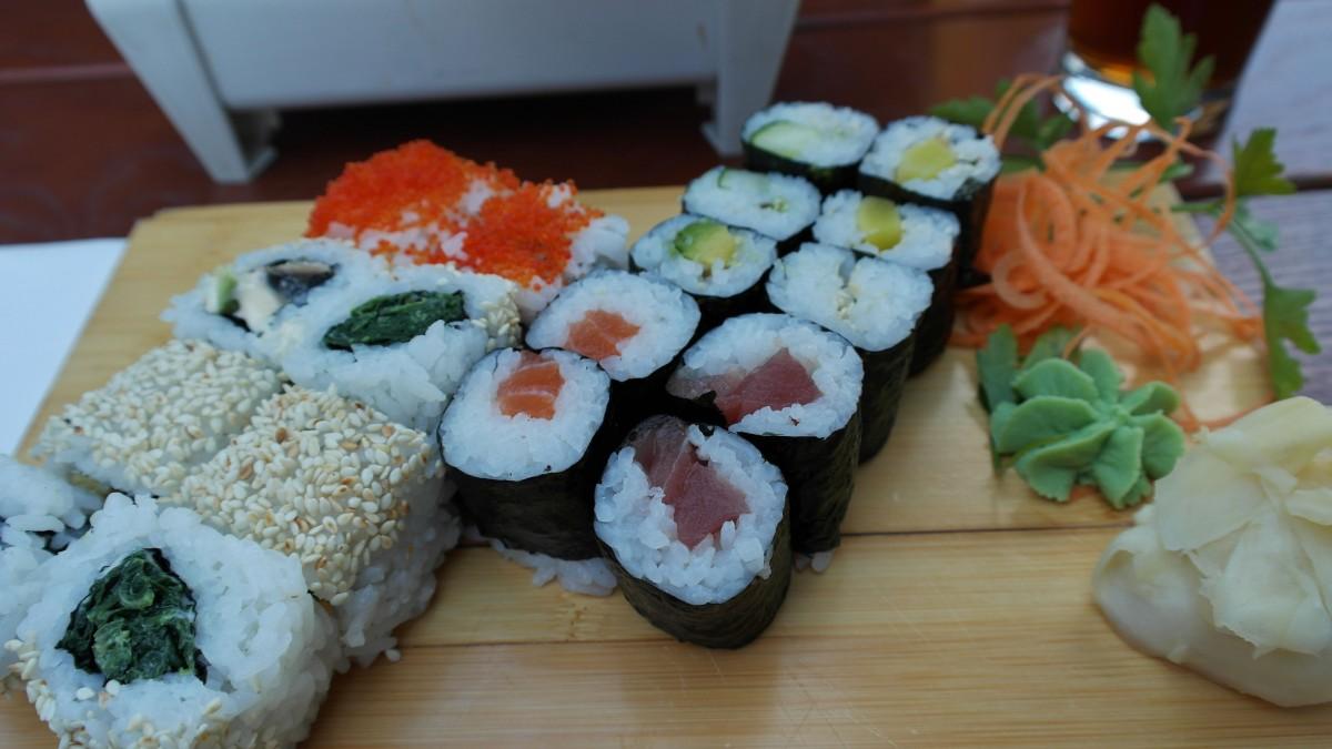 Images gratuites blanc plat repas aliments rouge for Poisson japonais nourriture