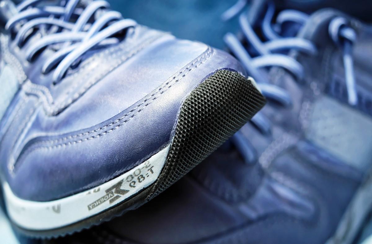 สีรองเท้าตามวันเกิดปี 2564
