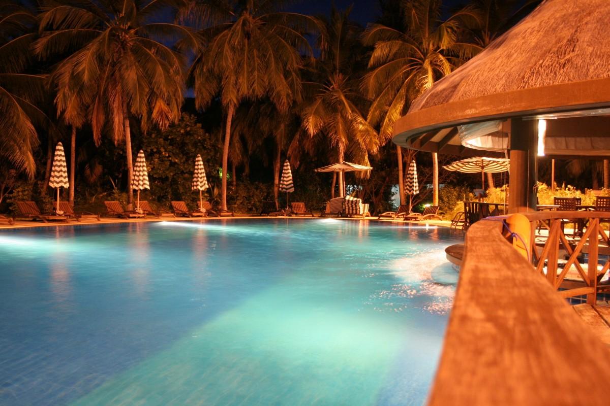 Картинки бассейн ночью