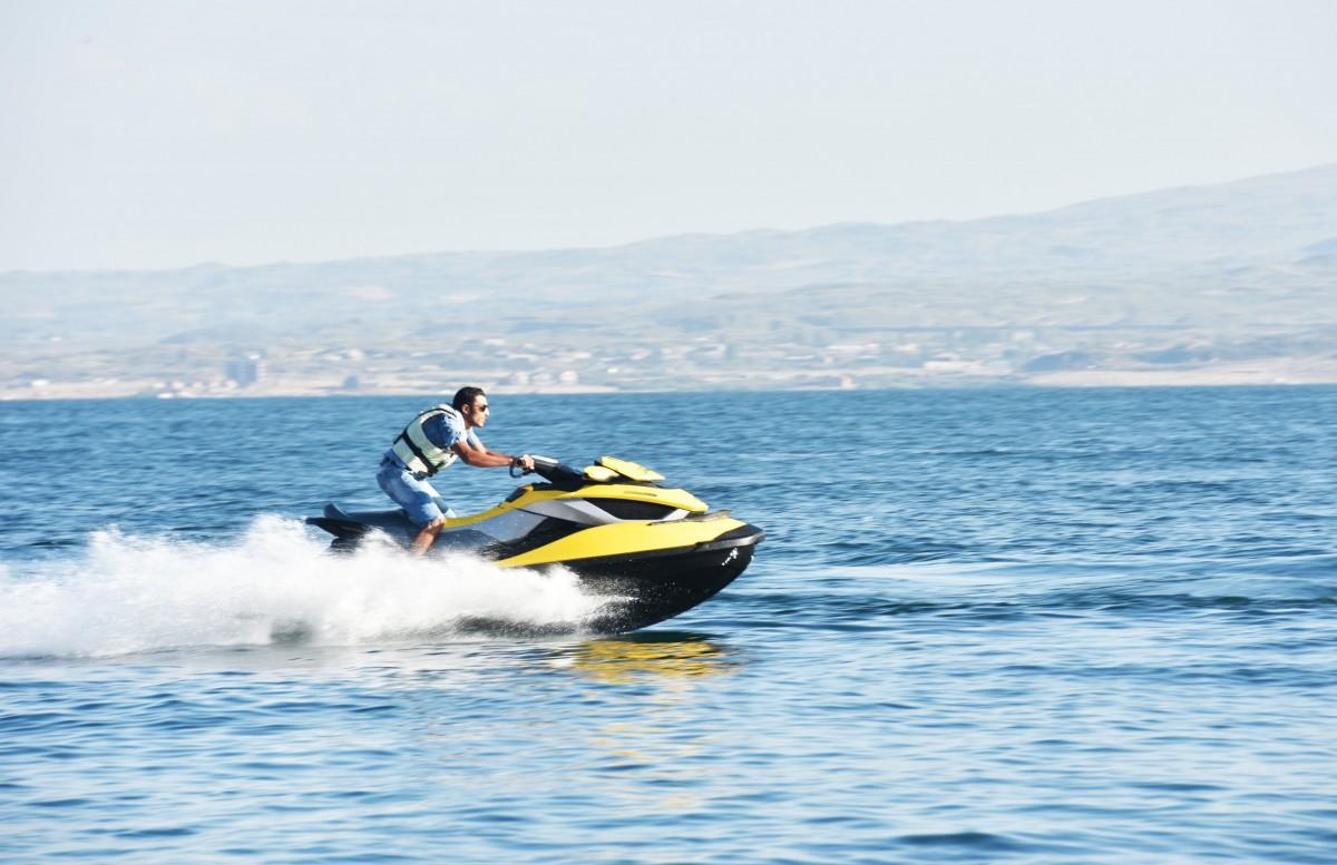 Moto náutica uno de los juguetes acuáticos más deseados en las Baleares