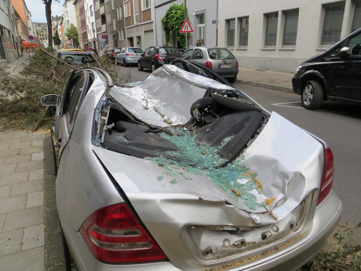 Images gratuites v hicule arbre tomb voiture de ville for Mercedes benz rt 22