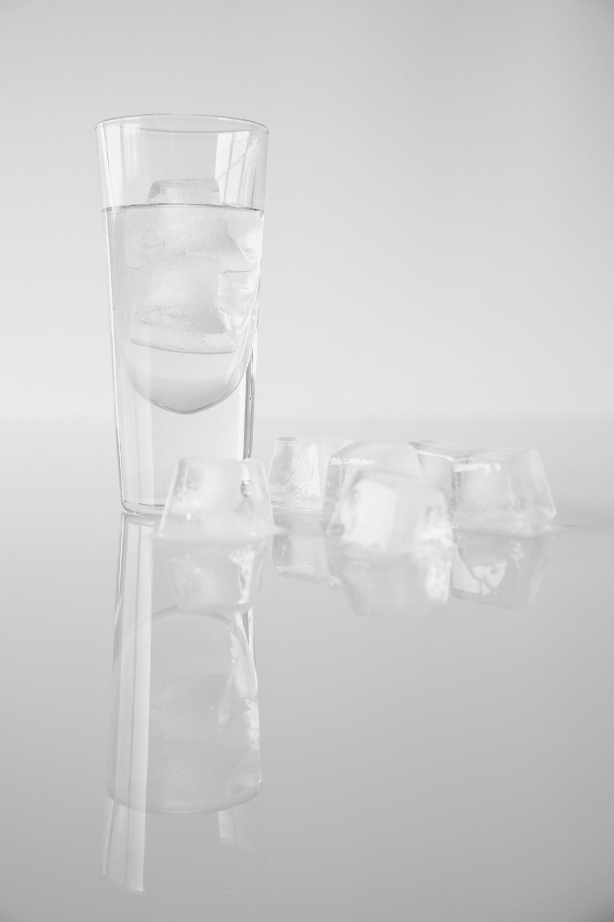 images gratuites boisson de l 39 alcool tiquette bouteille en verre produit 2015365. Black Bedroom Furniture Sets. Home Design Ideas