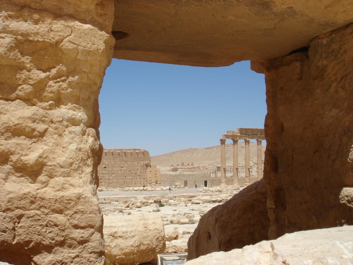 Images gratuites roche d sert mur vall e village for Farcical traduction