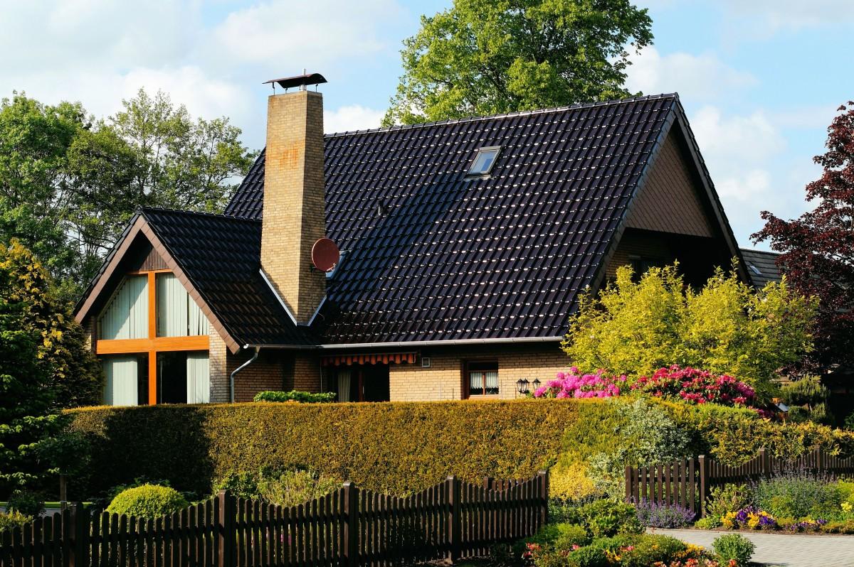 Images gratuites noir et blanc architecture ciel bois for Fenetre toit ciel
