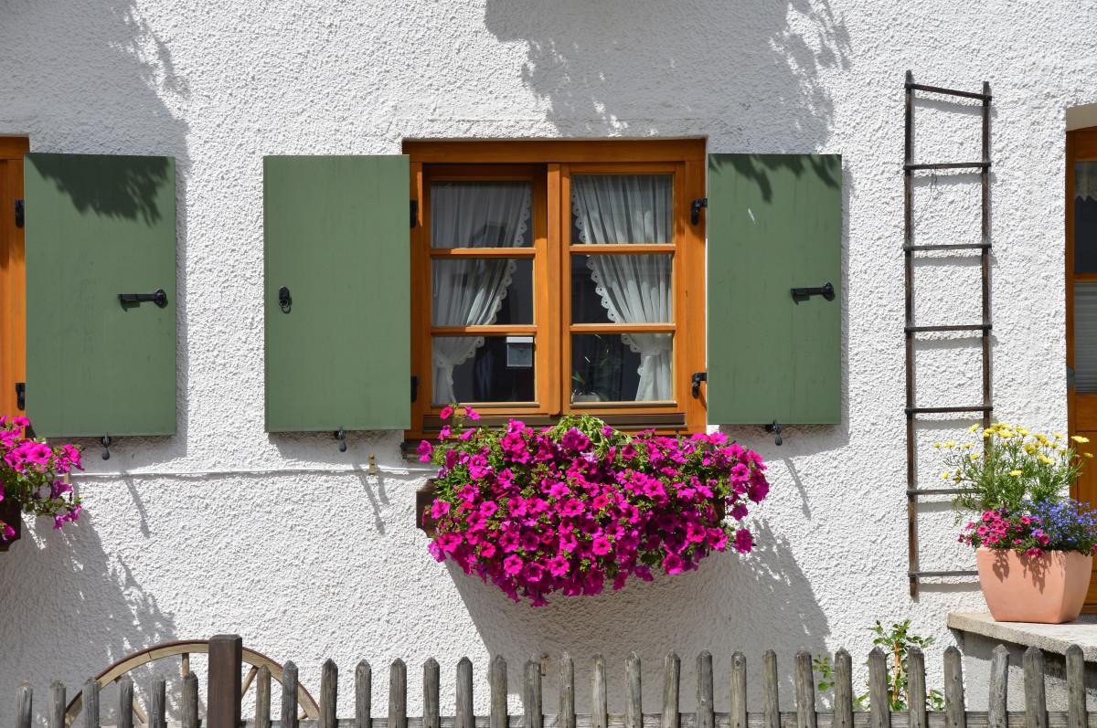 Images gratuites architecture maison fleur b timent for Balcon facade maison